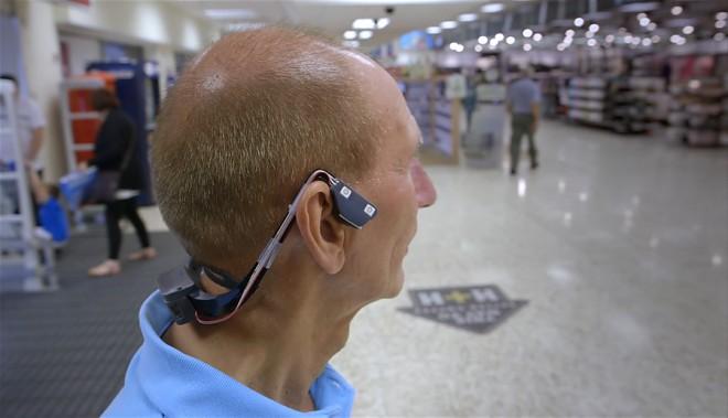 novye-tehnologii-pomogayu-slepym_1